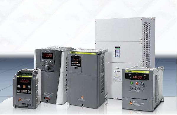 - Nguồn cung cấp: 3 pha 200 - 240V, 380 - 480V, 50/60 Hz.  - Dải tần số ra: 0 - 400 Hz.  - Khả năng quá tải 150% trong 60S,  - Dải điều khiển từ: 0 - 10V, 4 - 20 mA.  - Dải công suất: 0.4 –132 Kw.  - Chế độ điều khiển động cơ: V/f không đổi, tự động điểu chỉnh mômen, điểu khiển sensor vector , tự động, tối ưu hóa năng lượng tiêu thụ….  - Phương thức điều khiển: Điều khiển độ rộng xung PWM.  - Bảo vệ quá áp, sụt áp, quá tải, nhiệt độ quá cao, lỗi CPU, lỗi bộ nhớ, chạm mát đầu ra khi cấp nguồn  - Tiêu chuẩn bảo vệ: IP 20.